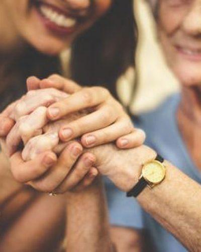 Personne âgée : pourquoi se faire aider à domicile ?
