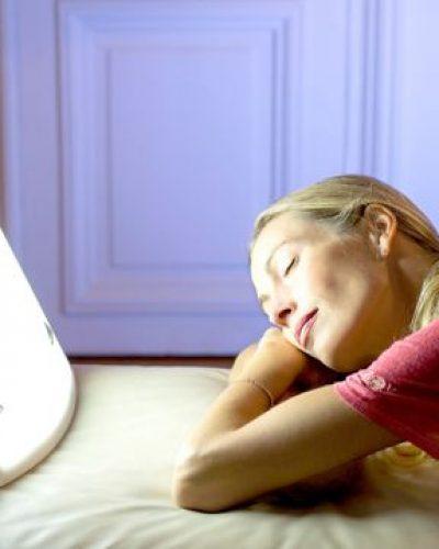 Luminothérapie : vieillissement, troubles du sommeil et horloge biologique